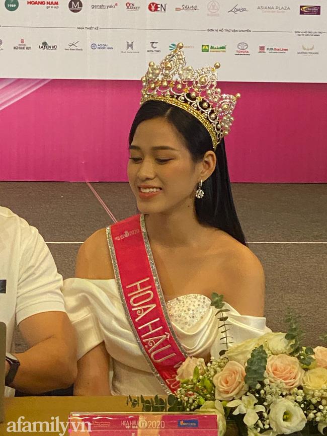 Tân Hoa hậu Việt Nam 2020 Đỗ Thị Hà chính thức lên tiếng về dòng trạng thái: Cuộc đời tôi là câu chuyện buồn-2