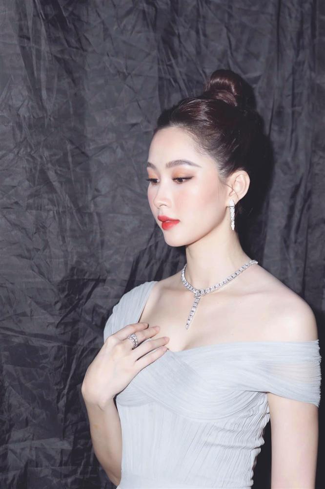 Nhan sắc Đặng Thu Thảo trong đêm chung kết Hoa hậu Việt Nam 2020-1