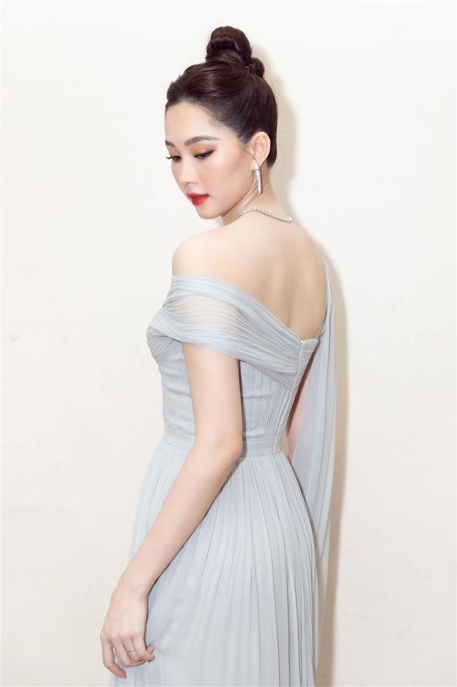 Nhan sắc Đặng Thu Thảo trong đêm chung kết Hoa hậu Việt Nam 2020-4