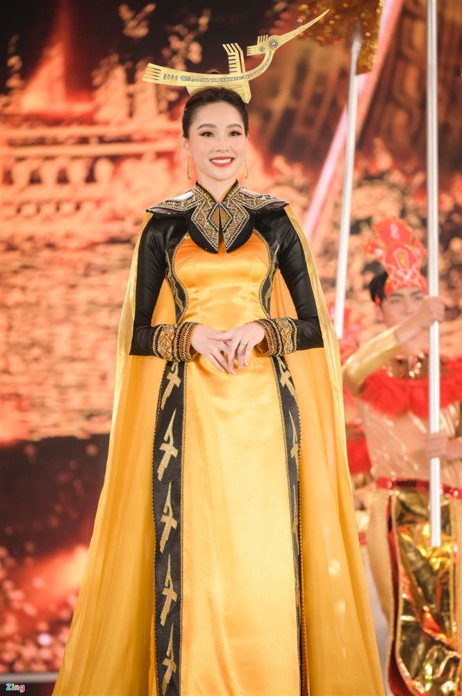 Nhan sắc Đặng Thu Thảo trong đêm chung kết Hoa hậu Việt Nam 2020-7
