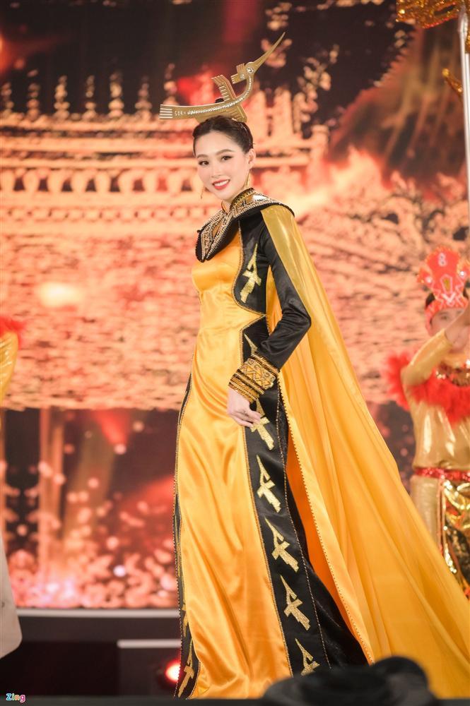 Nhan sắc Đặng Thu Thảo trong đêm chung kết Hoa hậu Việt Nam 2020-8