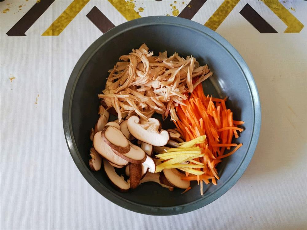 Dùng nồi cơm điện nấu cháo gà buổi tối, hôm sau cả nhà có món cháo nóng hổi cực ngon ăn sáng-3