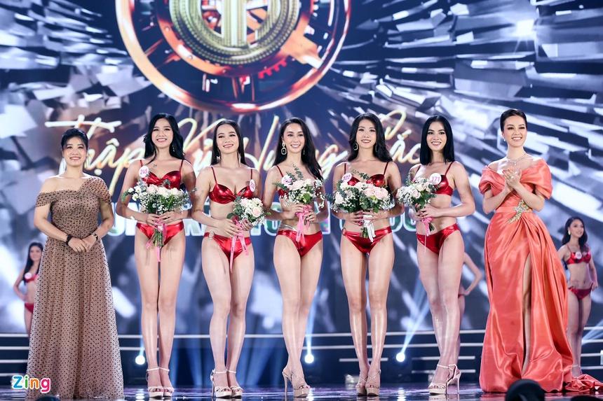 Ảnh kéo chân tới mất đầu gối của thí sinh Hoa hậu Việt Nam-2