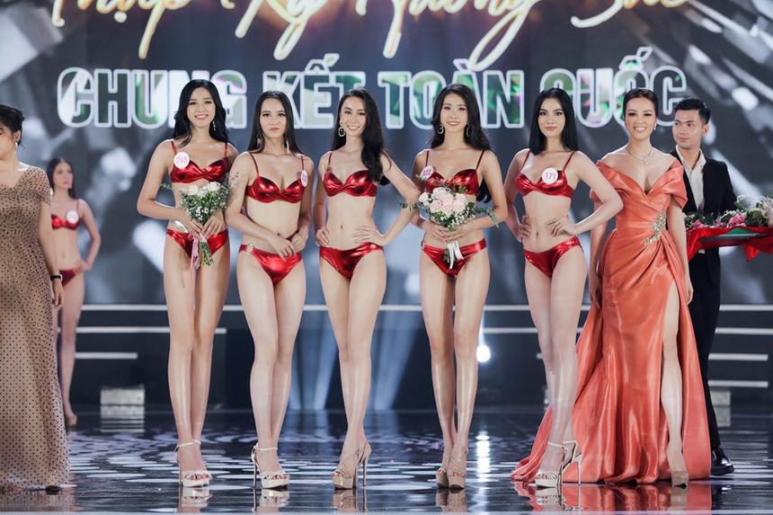 Ảnh kéo chân tới mất đầu gối của thí sinh Hoa hậu Việt Nam-3