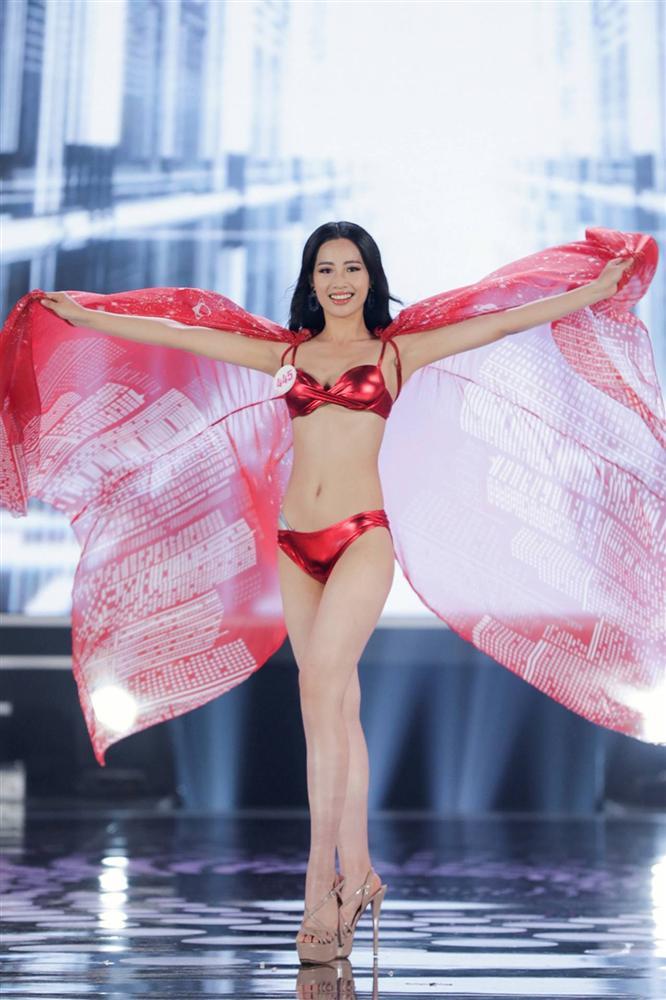 Ảnh kéo chân tới mất đầu gối của thí sinh Hoa hậu Việt Nam-6