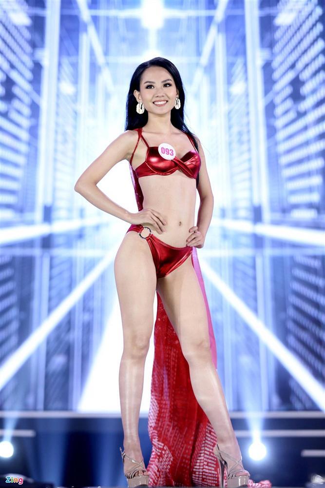 Ảnh kéo chân tới mất đầu gối của thí sinh Hoa hậu Việt Nam-9