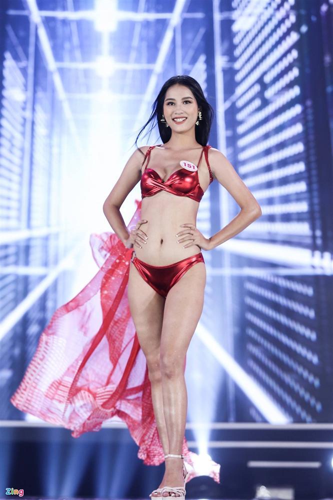 Ảnh kéo chân tới mất đầu gối của thí sinh Hoa hậu Việt Nam-15