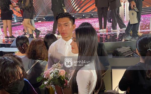 Doãn Hải My đơ toàn tập khi bất ngờ được hỏi thân với Văn Hậu lâu chưa ở đêm Chung kết Hoa hậu Việt Nam-5