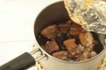 Mẹo loại bỏ lớp mỡ đông cứng trong nồi thịt kho không cần thìa hoặc đun sôi
