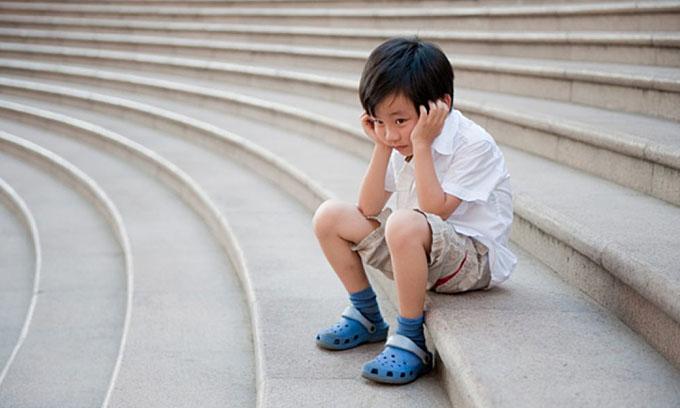 Cằn nhằn con trai 5tuổi học mãi không thuộc nổi bài thơ, bé hét lên một câu khiến người mẹ sững sờ-1