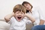 Cằn nhằn con trai 5tuổi học mãi không thuộc nổi bài thơ, bé hét lên một câu khiến người mẹ sững sờ