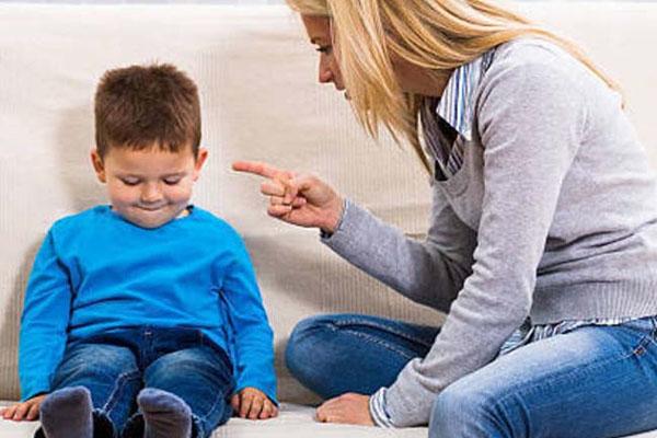 Cằn nhằn con trai 5tuổi học mãi không thuộc nổi bài thơ, bé hét lên một câu khiến người mẹ sững sờ-6