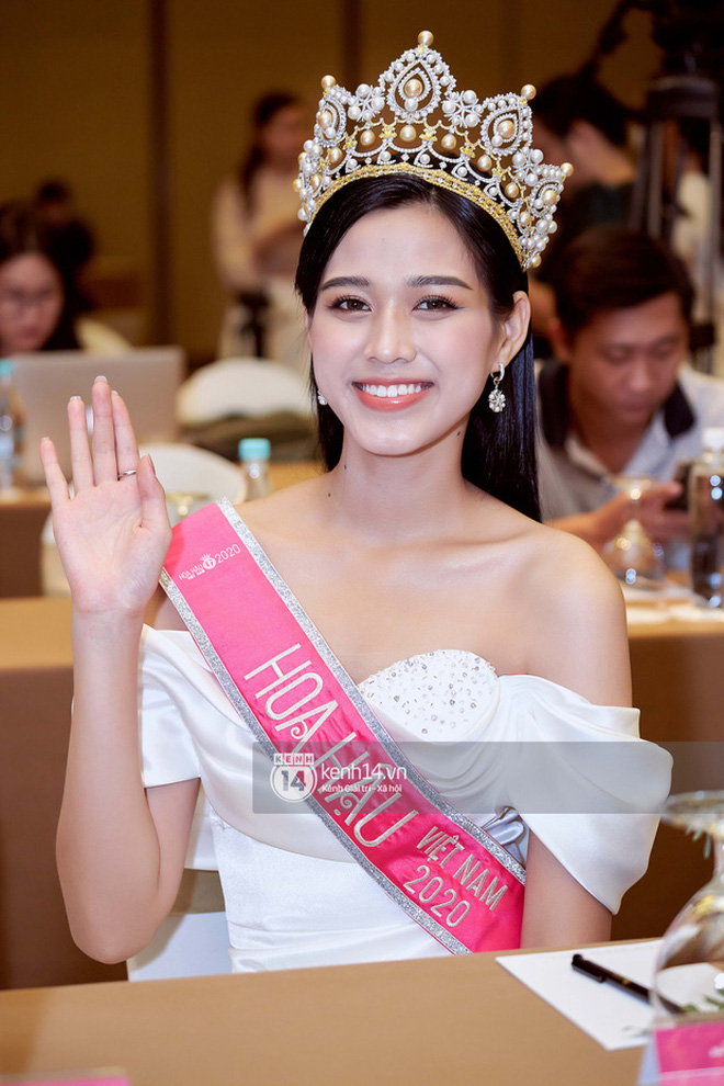 Nhan sắc dàn Hoa hậu Việt Nam lúc đăng quang: Tiểu Vy được báo quốc tế ca ngợi, Mai Phương Thuý nhận gạch đá, còn Đỗ Thị Hà?-35