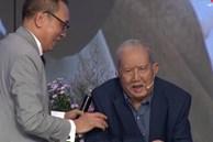 Chân dung nghệ sĩ khiến MC Lại Văn Sâm phải phá lệ, cúi đầu lạy làm sư phụ
