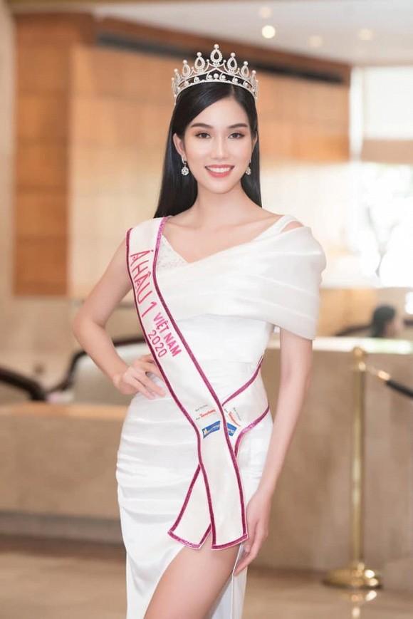 Á hậu 1 Phạm Ngọc Phương Anh và Hoa hậu HHen Niê chỉ uống thứ nước này mà cũng sở hữu thân hình quyến rũ-1
