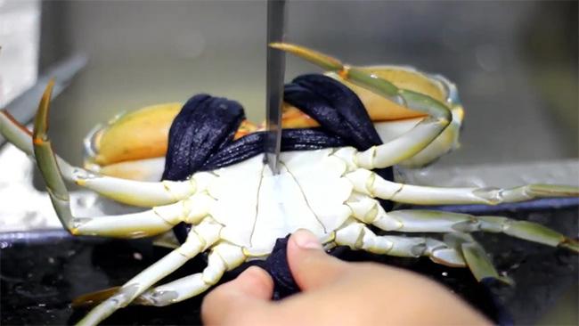 Mẹo khử mùi tanh của hải sản chỉ bằng các nguyên liệu đơn giản-5