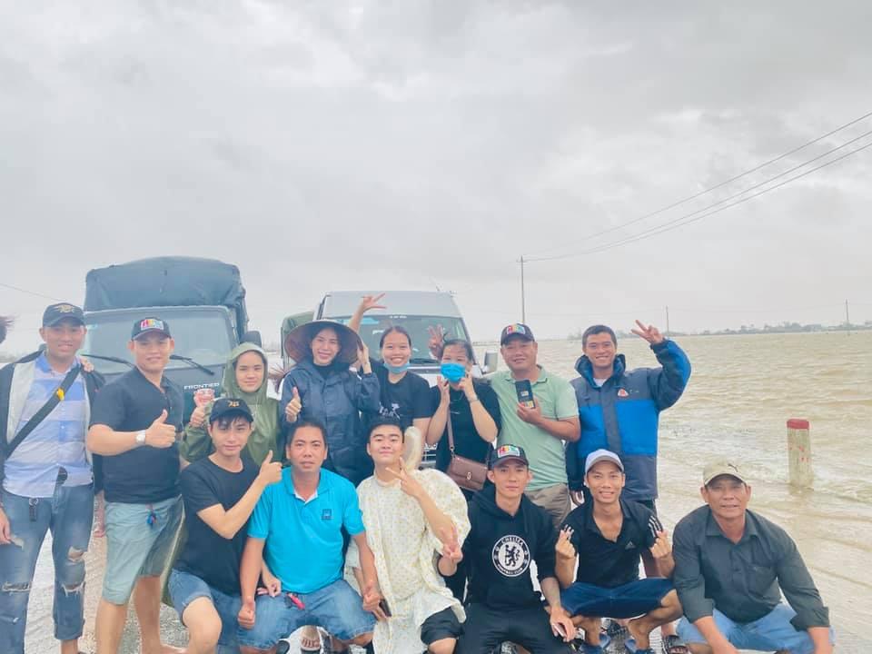 Thủy Tiên kết thúc hơn 40 ngày viện trợ miền Trung, hứa hẹn công khai sao kê minh bạch-3