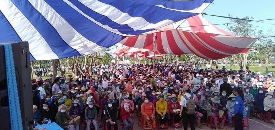 Thủy Tiên kết thúc hơn 40 ngày viện trợ miền Trung, hứa hẹn công khai sao kê minh bạch-6