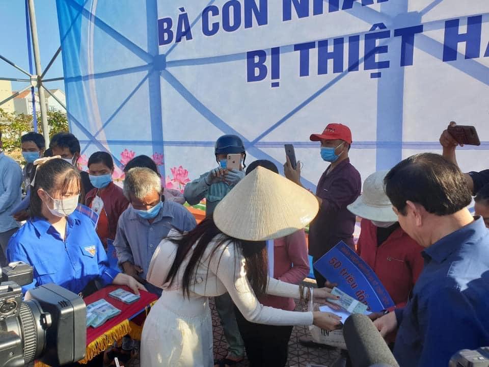 Thủy Tiên kết thúc hơn 40 ngày viện trợ miền Trung, hứa hẹn công khai sao kê minh bạch-12