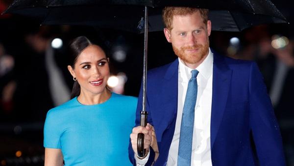 Vợ chồng Meghan Markle và hoàng gia Anh lên tiếng phản hồi về thông tin cặp đôi qua mặt Nữ hoàng để chuyển nhượng dinh thự cho vợ chồng công chúa-1