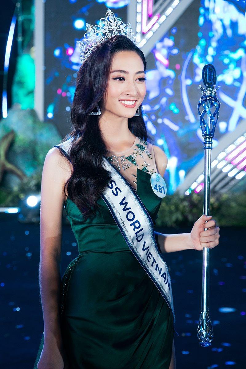 Hoa hậu Lương Thùy Linh bị bắt lỗi nói nghịu hài hước trong chung kết Hoa hậu Việt Nam 2020-4