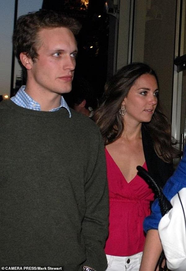 Lộ danh sách tình cũ của Hoàng tử William và Công nương Kate: Người làm rể Hoàng gia, kẻ từ tình địch thành bạn thân hai vợ chồng-9