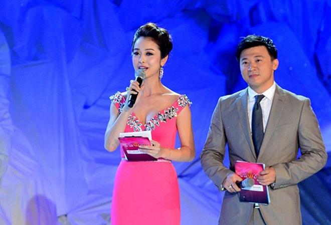 4 mùa giải liên tiếp, chung kết Hoa hậu Việt Nam đều bị chê bai vì điều này-1