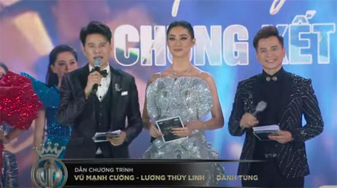 4 mùa giải liên tiếp, chung kết Hoa hậu Việt Nam đều bị chê bai vì điều này-4