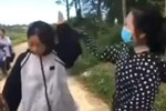 Thanh Hóa: Nữ sinh cấp 3 dùng mũ bảo hiểm đánh bạn liên tiếp vào đầu