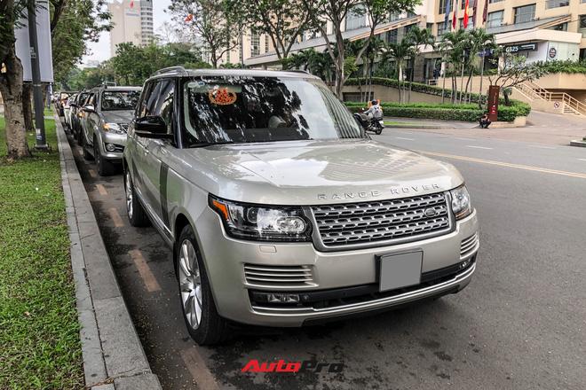 Loạt xe khủng đưa dâu trong đám hỏi Phan Thành, chú rể cầm lái Rolls-Royce Wraith 34 tỷ đồng-6