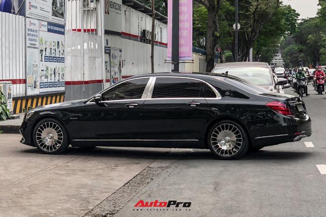 Loạt xe khủng đưa dâu trong đám hỏi Phan Thành, chú rể cầm lái Rolls-Royce Wraith 34 tỷ đồng-13