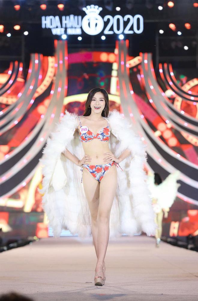 Netizen đào lại clip team qua đường quay cận body Hoa hậu Đỗ Thị Hà, đôi chân có thần thánh như dàn sao Việt khen?-2