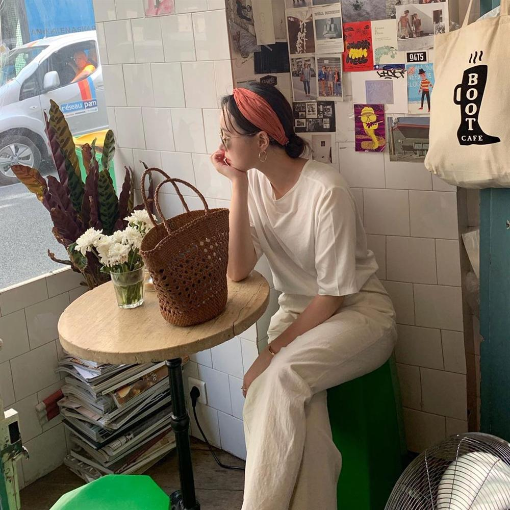 Hội con gái Hàn hay mix quần ống suông với 3 kiểu áo này để ghi điểm sành điệu và sang xịn nhất-1