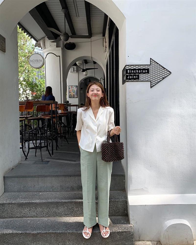 Hội con gái Hàn hay mix quần ống suông với 3 kiểu áo này để ghi điểm sành điệu và sang xịn nhất-13