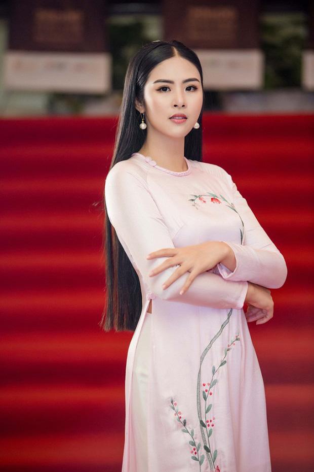 Hoa hậu Việt Nam đi học thế nào khi đương nhiệm: Người nhận bằng cử nhân xuất sắc, người phải học lại cấp 3, bí ẩn nhất là nàng Hậu này-3