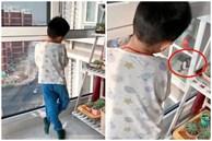 Con trai đứng nhìn trân trân sang cửa sổ nhà hàng xóm, biết thứ con đang nhìn thì bà mẹ 'câm nín'