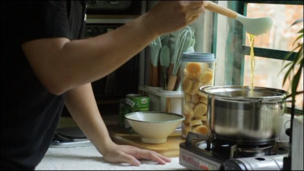 Trở về tuổi thơ với món bánh bò siêu ngon, công thức cựcđơn giản chị em nào cũng có thể làm-2