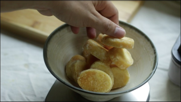 Trở về tuổi thơ với món bánh bò siêu ngon, công thức cựcđơn giản chị em nào cũng có thể làm-1