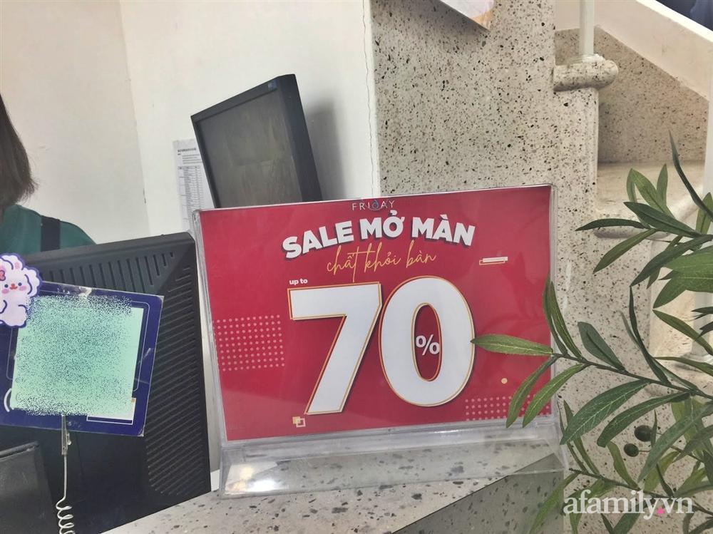 Hà Nội: Phố thời trang rợp biển giảm giá 80% trước ngày mua sắm Black Friday-11