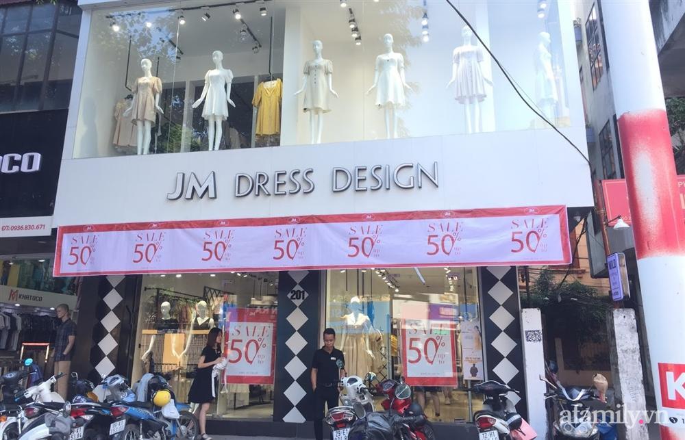 Hà Nội: Phố thời trang rợp biển giảm giá 80% trước ngày mua sắm Black Friday-14