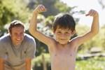 3 bước để trẻ học cách tìm thấy sức mạnh tích cực trong nghịch cảnh, tăng khả năng vượt qua sóng gió trong tương lai