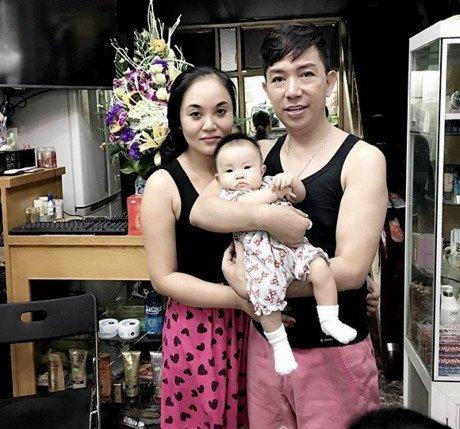 Long Nhật bị đàm tiếu giới tính, vợ trẻ vẫn bất chấp để sinh thêm con thứ 4-2