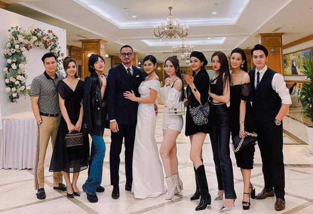 MC Thu Hoài khi lên sóng truyền hình và lúc quẩy trong tiệc mời cưới: Lấy được chồng rồi, xả vai thôi!-3