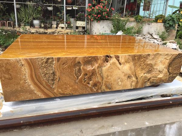 Sập bằng đá quý vàng óng, nặng tới 7 tấn, đại gia Hà Nội hét hơn tỷ đồng-1