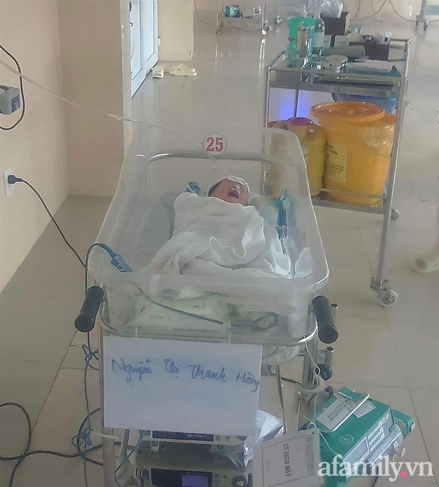 Bé gái Đắk Lắk vừa ra đời bác sĩ đã nói nếu sống được cũng khó nuôi, hình ảnh hiện tại của cô bé xuất hiện trên tạp chí Mỹ khiến ai nấy ngỡ ngàng-2