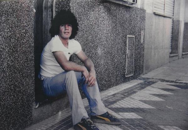 Khám phá nơi yên nghỉ cuối cùng của Maradona, căn nhà Cậu bé Vàng từng sống thuở chưa nổi tiếng-7