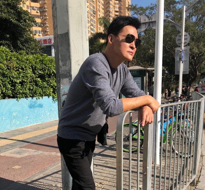 Tài tử Thần điêu đại hiệp: Tuột dốc vì đóng phim cấp ba, tuổi U70 ra sao?-7