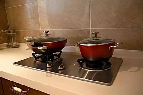 Căn bếp luôn bóng dầu mỡ, hướng dẫn bạn 16 mẹo nhỏ để tiết kiệm thời gian và công sức dọn dẹp mà bếp luôn tinh tươm như mới-1