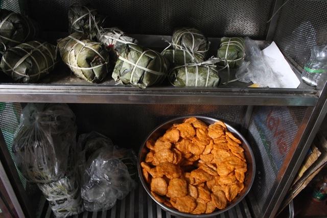 Báu vật giúp hàng giò chả nức tiếng phố cổ Hà Nội đông khách suốt 40 năm-10