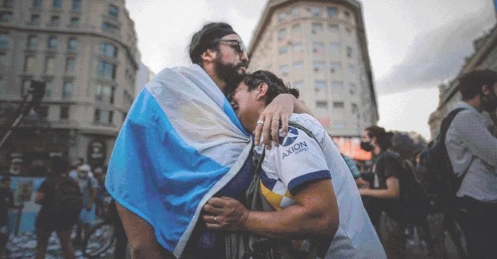 Mong muốn cuối của Maradona khiến người Argentina òa khóc-4